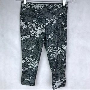NIKE Legend Poly Tight Camo